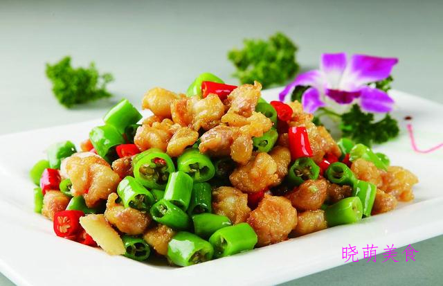 葱油鲈鱼、山药炒肉片、爆炒牛肚、双椒辣子鸡的美味做法香辣开胃