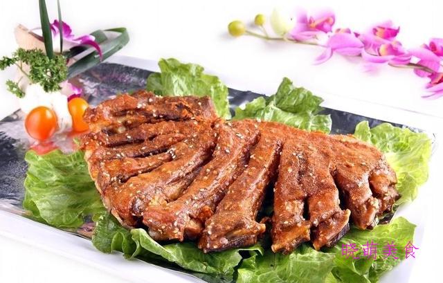 麻辣鸡腿、红烧鸡翅、辣烤羊排、香辣豆腐干、无骨鸡爪的美味做法