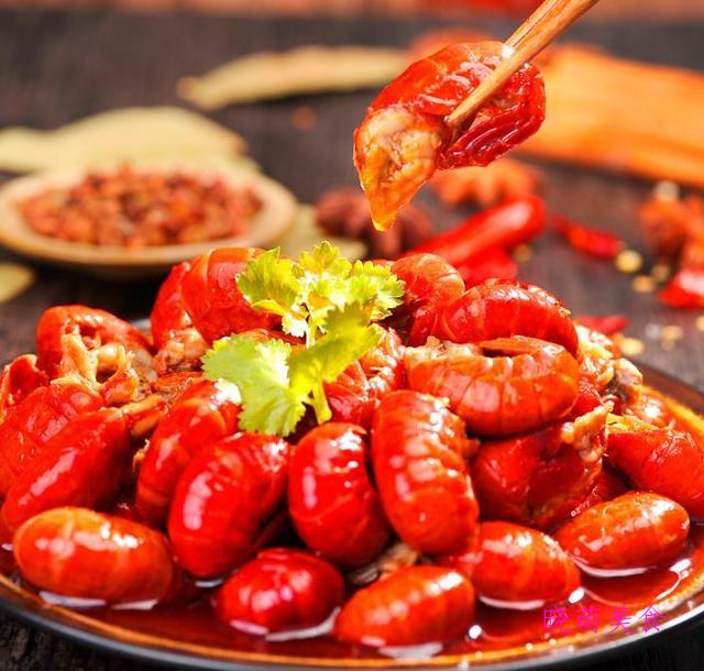 五花肉煸土豆、双椒炒猪肝、辣炒龙虾尾、锡纸牛肉的美味做法