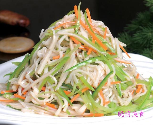 酸辣杏鲍菇、腌黄瓜、凉拌金针菇、凉拌土豆片的做法,营养美味