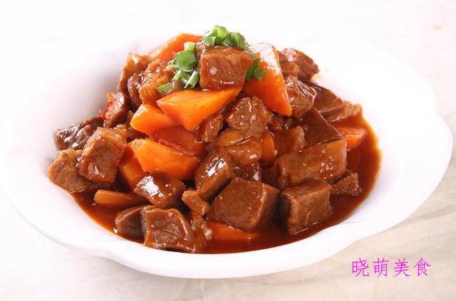 芋头烧肉、莲藕炖鸭块、辣炖排骨、青椒土豆炖牛肉的家常做法