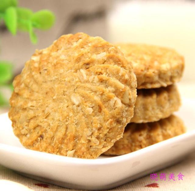花生酱饼干、抹茶曲奇、全麦饼干、自制奶酪棒的简单做法香甜美味