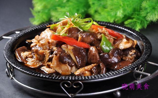 干煸鱿鱼须、麻辣鸡、糖醋酥鱼、香菇炒肉的家常做法,营养美味