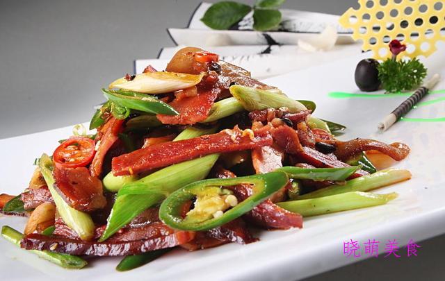 豉椒鸡丁、葱香小黄鱼、蒜苗炒腊肉、辣烧牛肉、香煎鱼块的做法