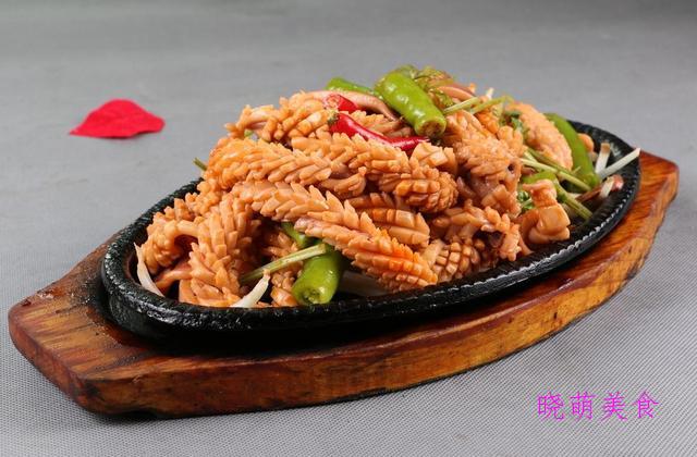 干煎鸡翅、香辣烤鱿鱼、番茄带鱼、辣炒鸭血、蒜蓉粉丝蒸虾的做法