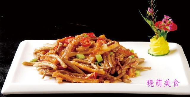 香辣干锅腊肉、五香炒牛肚、川味鸡翅、香辣茄子的家常做法