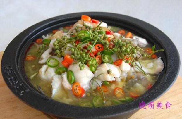 麻辣鸡块、藤椒鱼片、辣炒土豆丝的家常做法,荤素搭配营养美味