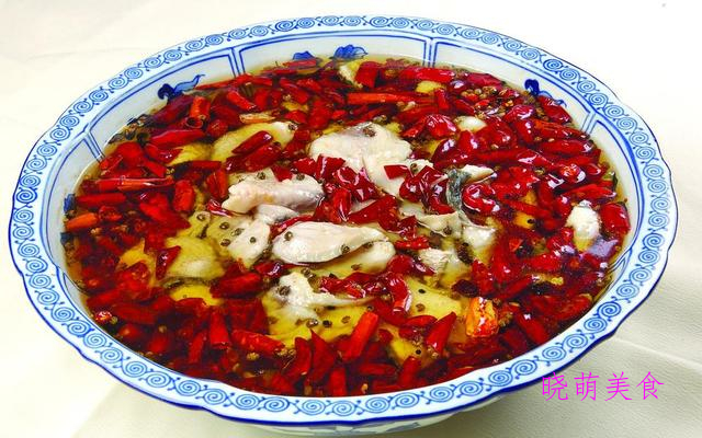 牛肉火锅、韩式年糕火锅、麻辣火锅鱼的家常做法,香辣美味
