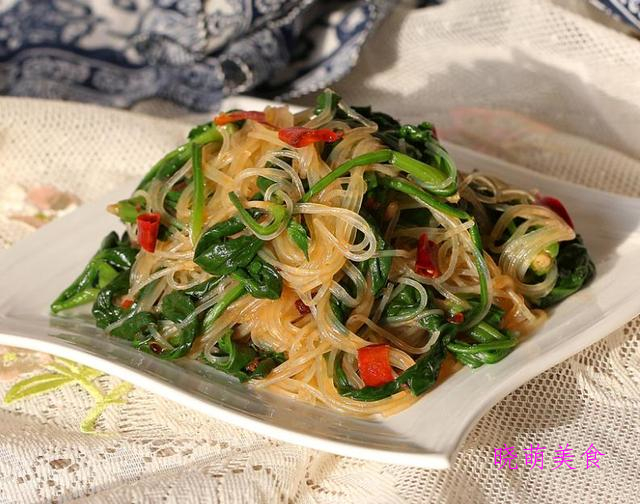 爆炒杏鲍菇、蒜香金针菇、家常地三鲜、凉拌粉丝、萝卜丸子的做法