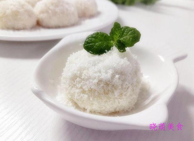 马拉糕、蛋白椰丝球、花生酥、榴莲糯米糍、双色月饼的美味做法