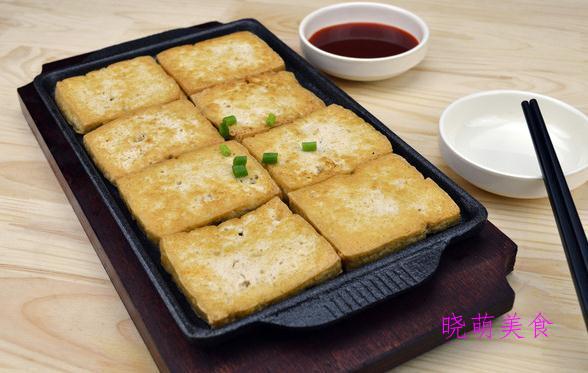 秘制叉烧肉、辣煎豆腐、尖椒炒五花肉、玉米烧排骨的家常做法