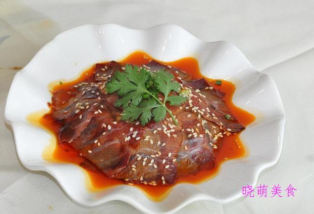 麻辣鱿鱼锅、麻辣血旺、麻辣牛肉、麻辣带鱼的家常做法