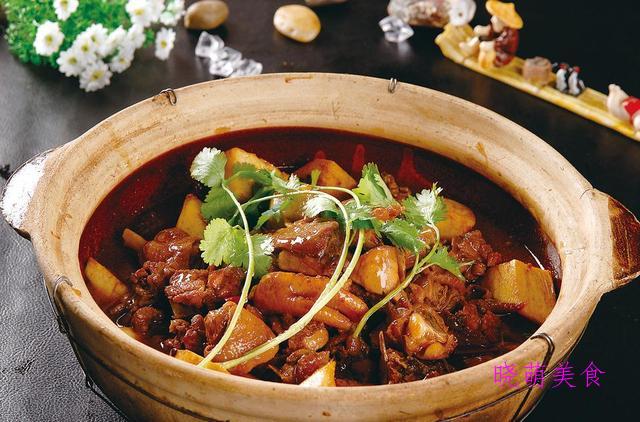 麻辣牛肉煲、重庆公鸡煲、香辣牛腩煲的经典做法,营养美味又下饭
