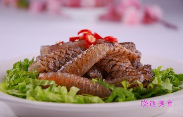 红油牛肉、香辣鱼皮、凉拌椒麻鸡、香辣龙须菜的做法