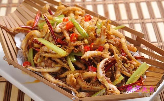 鱼香豆腐、椒盐小河虾、红油口水鸡、干煸鱿鱼须的做法