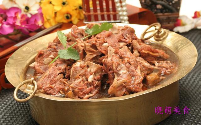 泡菜肥牛卷、酱烧羊蝎子、干锅鸡煲、三汁焖锅的做法