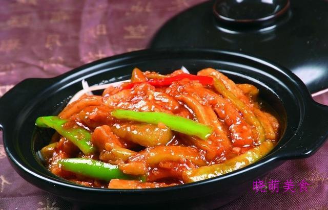 红烧筋头巴脑、蚝油烧茄子、酱香蒸排骨、鸭血炖豆腐的做法