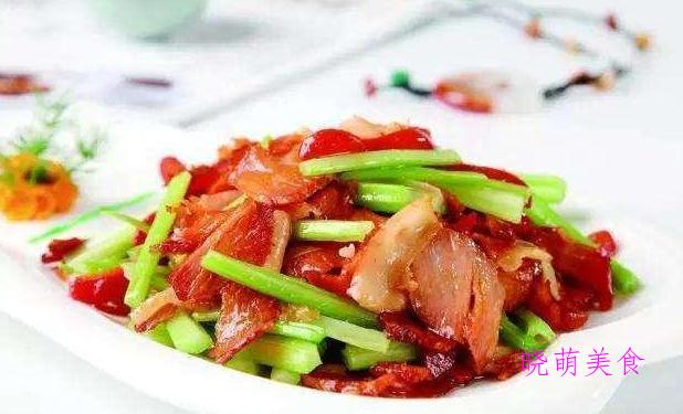 爆炒猪耳、爆炒鸭胗、香干炒肉、芹菜炒腊肉的做法
