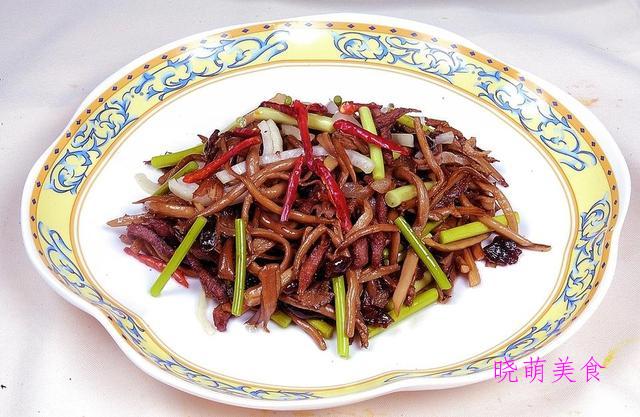 干炒茶树菇、香辣杏鲍菇、香干炒肉丝、香辣腊肉的做法