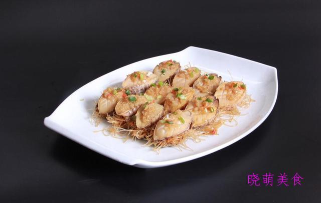 清蒸鸡、蒜蓉蒸鲍鱼、剁椒鸡翅、三鲜蒸排骨的家常做法