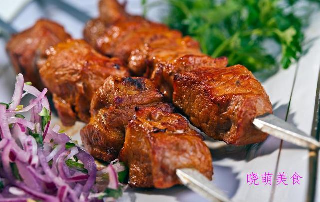 酱烤鱿鱼须、酱烤排骨、麻辣肉串、烤大排的家常做法