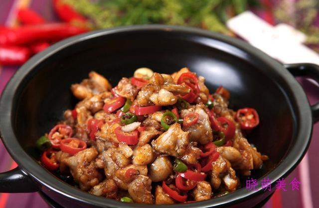 川味水煮肉、麻辣沸腾鱼、爆炒牛蛙的家常做法