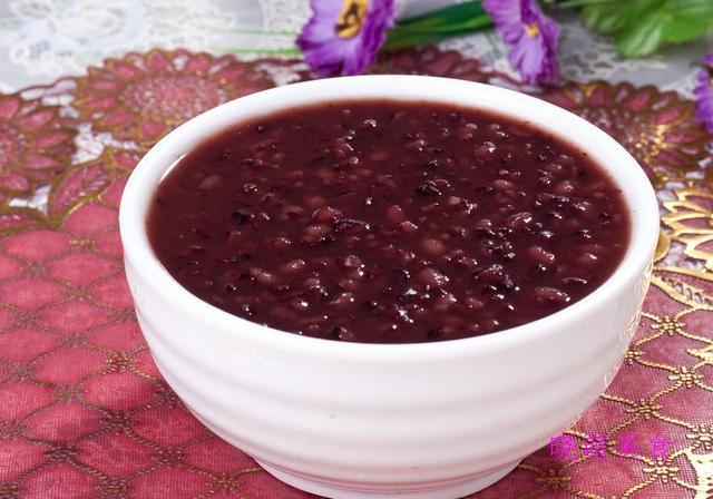 山药小米粥、薏米粥、燕麦红枣粥、黑米红枣粥的家常做法