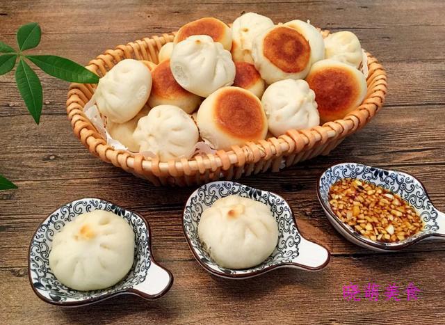 扇贝生煎包、卤煮火烧、豆沙糯米卷、无骨鸡柳的家常做法