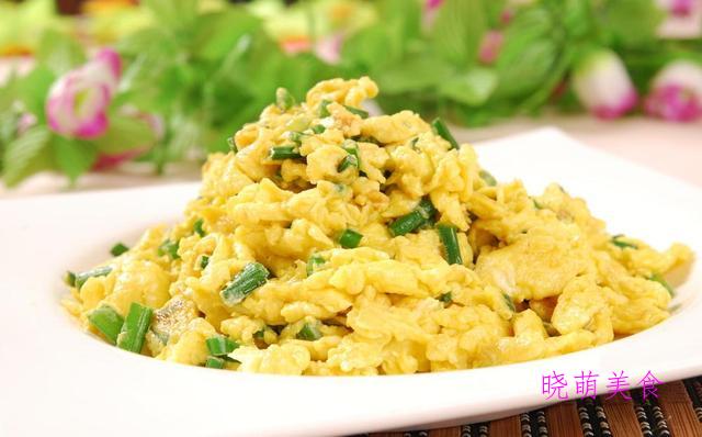 香辣卤鸡胗、双椒炒鸡蛋、酱爆肉丁、东北烧茄子的家常做法