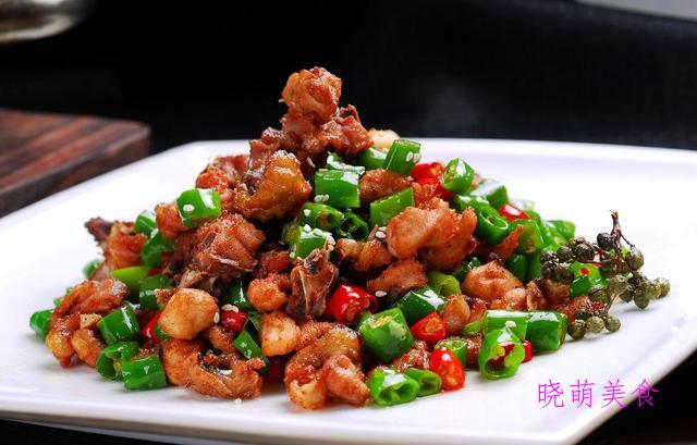 香辣小炒鸡、火爆鱿鱼虾、爆炒牛舌、爆炒肥牛的家常做法