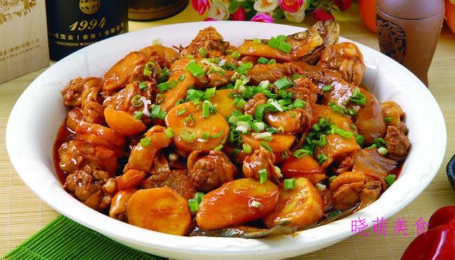 香辣椒麻鸡、红焖鸭、香辣猪肉炖粉条、蒸小酥肉的家常做法