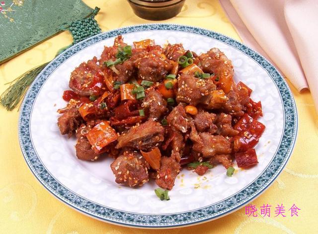 杭椒炒五花肉、香酥鸡丁、炸鳕鱼、啤酒焖酥鱼的家常做法