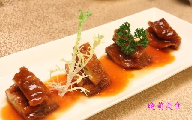 锅包鱼块、酸菜鱼片汤、干锅酸笋腊肉、麻辣鸡块的做法
