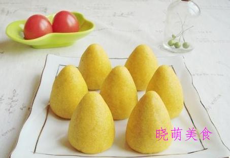韭菜锅贴、红糖双色馒头、奶香窝头、豆渣饼、灌汤小笼包的做法