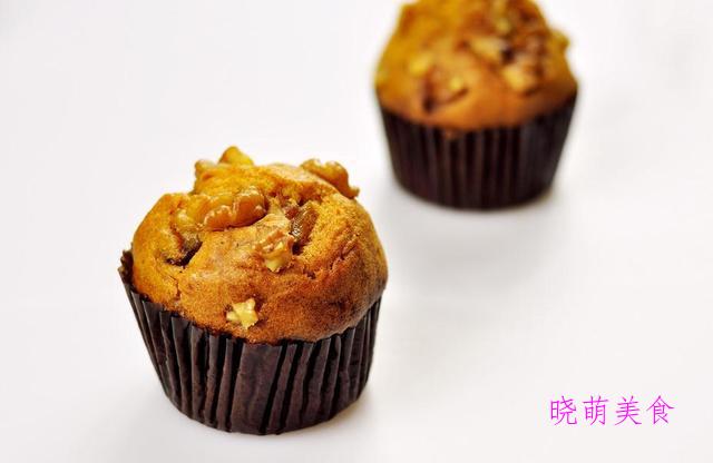 猪油渣葱花饼、蟹黄烧麦、糯米卷、黄油小蛋糕的家常做法