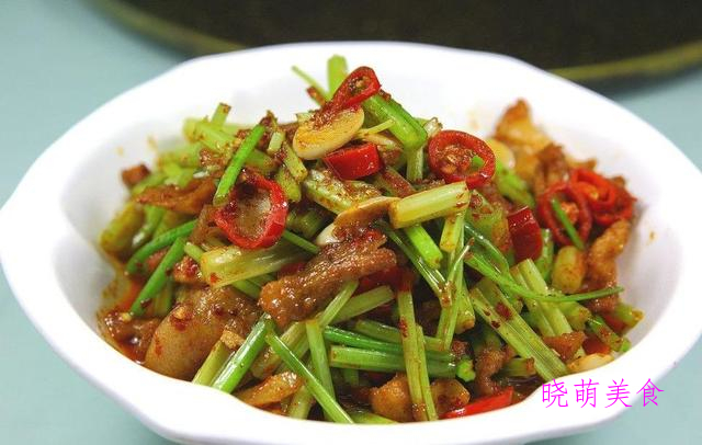 孜然土豆、干炸鸡胸肉、鲜辣水煮鱼、生炒五花肉的家常做法