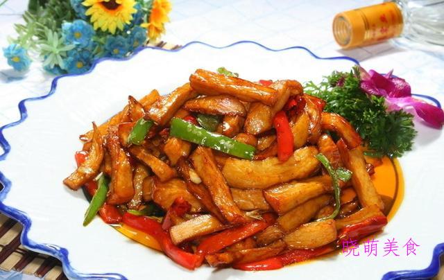 鱼香茄条、秘制口水鸡、干煸五花肉、香酥小毛虾的家常做法