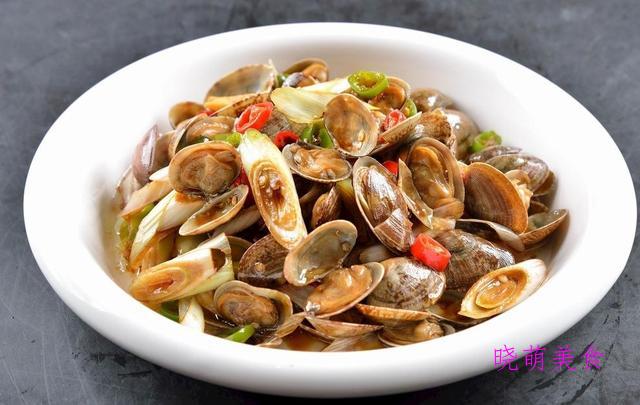 家常辣炒鸡、经典麻辣豆腐、蒜香花甲、蒜苔炒肉的家常做法