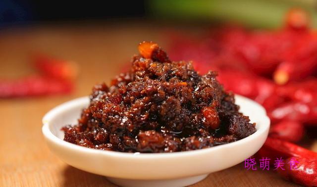 韩式牛肉酱、猪肉酱、蒜蓉辣酱、川味杂酱、油辣椒的家常做法