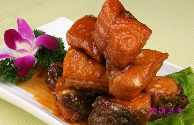 红烧鳗鱼、炒肚丝、酸甜萝卜条、香辣尖椒炒肉、五香熏鲅鱼的做法