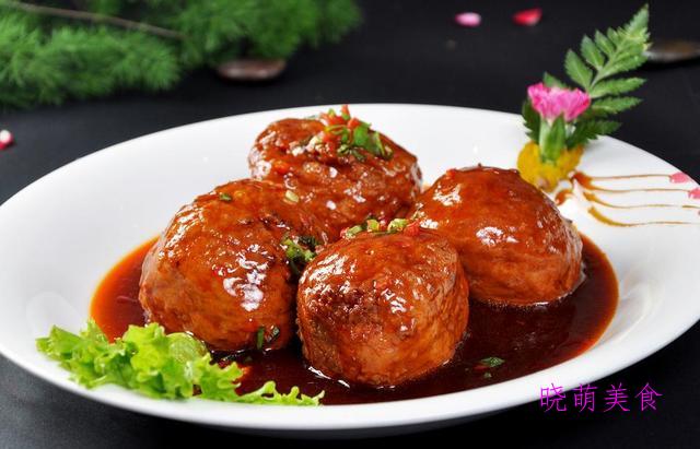 砂锅焖豆腐、排骨炖板栗、泡椒炒牛肉、砂锅狮子头的家常做法