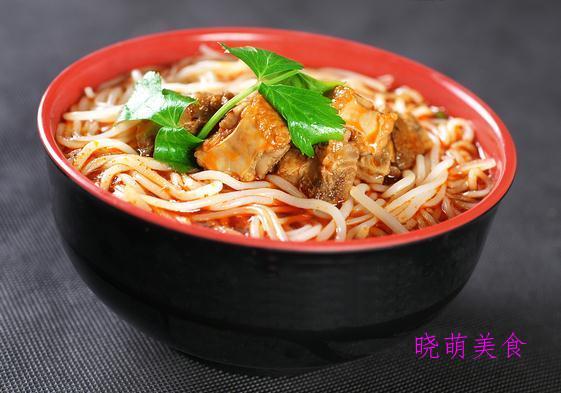 烤鸡排、寿司、醪糟汤圆、香辣肥肠面、排骨米线的美味做法