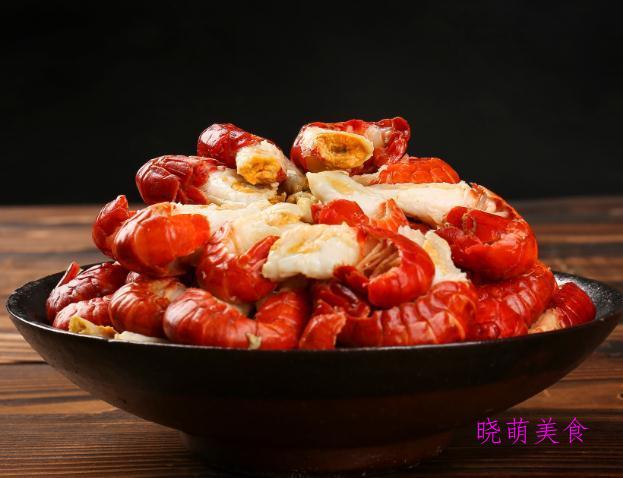 砂锅牛腩、麻辣龙虾尾、红烧大排、铁锅炖鸡的家常做法