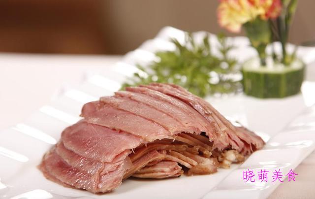 香卤猪蹄、卤鸡蛋、酱鸭腿、经典酱牛肉的家常做法