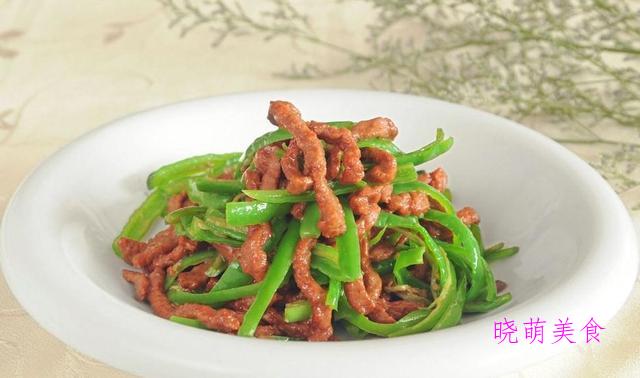 菠萝炒肉、砂锅烧猪蹄、酸汤肥牛、青椒牛肉的家常做法