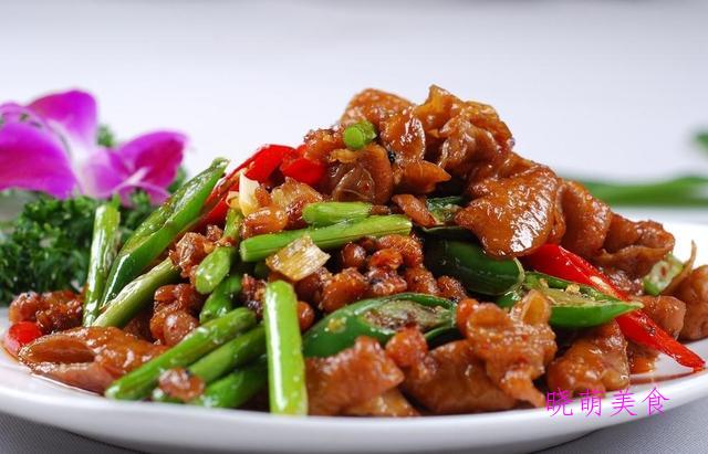 酱炒肥肠、口味虾、小炒腊肉、馋嘴牛蛙的家常做法