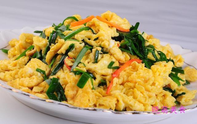油菜豆腐、炸素丸子、番茄花菜、素炒秋葵、韭菜炒鸡蛋的家常做法