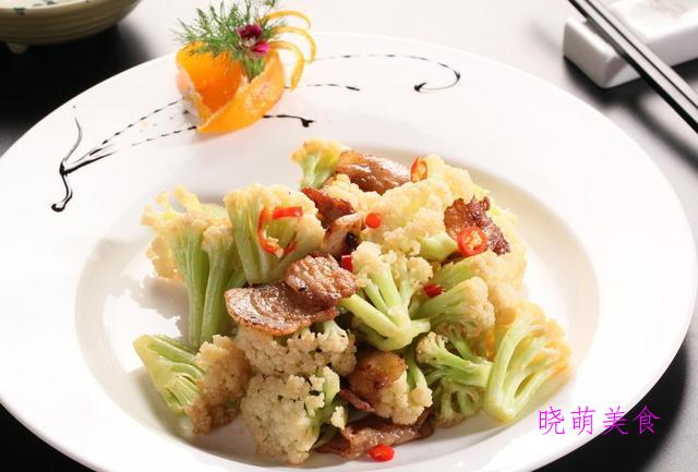 蒜苗炒牛肚、辣炒猪皮、花菜炒肉、线椒炒腊肉、韭黄炒虾仁的做法