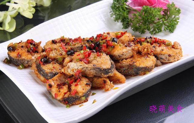 香草烤羊排、红酒牛排、香煎鳕鱼、黑椒烤乳鸽的家常做法