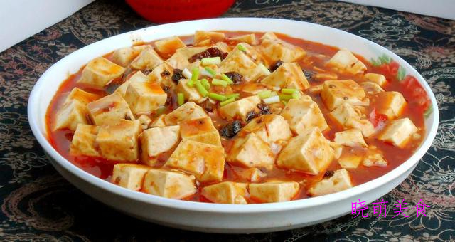 鱼香嫩豆腐、千张结烧肉、松鼠鲈鱼、蒜蓉酱烧排骨的家常做法